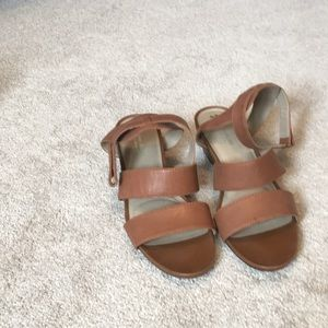 Brown naturalizer Sandals size 11 never worn